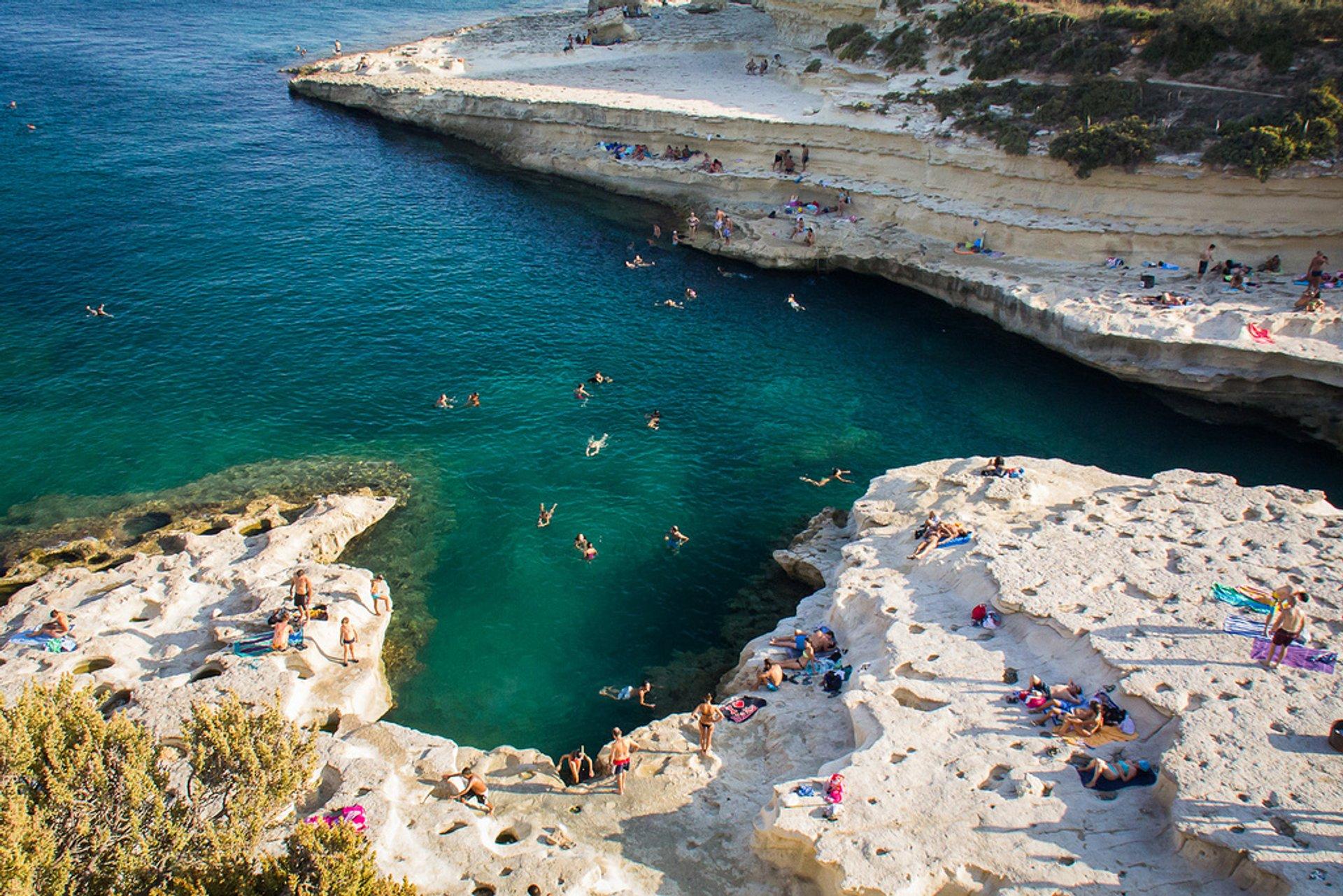 dinh cu Malta - AT Express