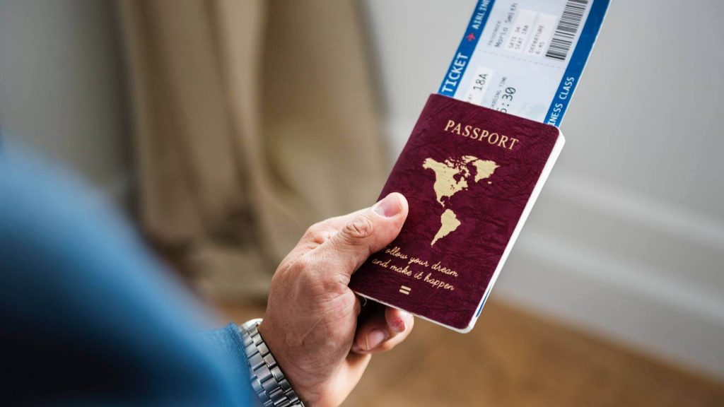 Nên đầu tư giấy phép cư trú châu Âu hay quốc tịch Caribbean?