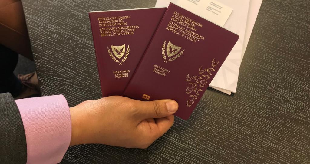Cyprus hủy chương trình 'hộ chiếu vàng'
